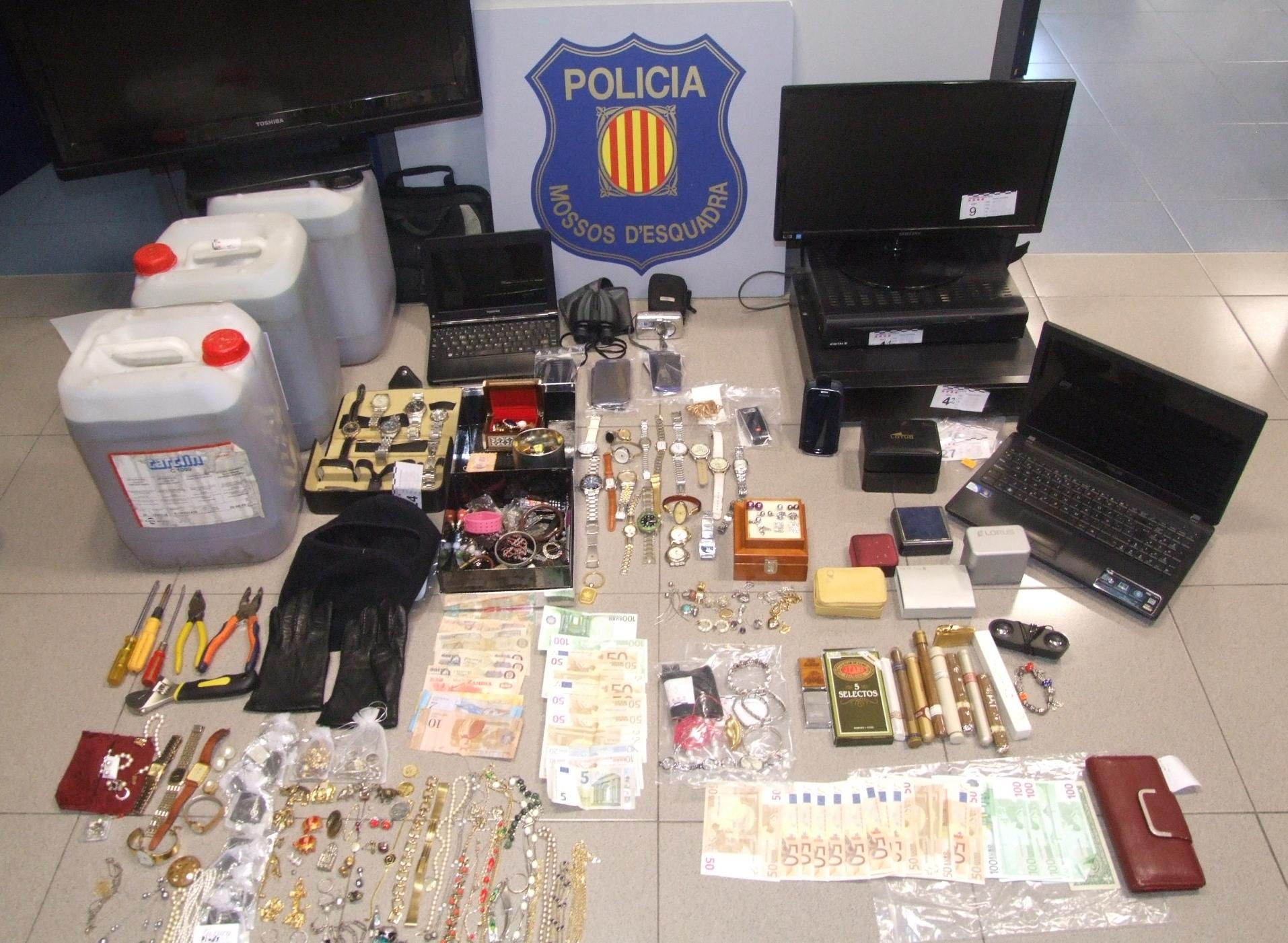 Els Mossos d'Esquadra detenen tres homes per robatoris a l'Urgell, Noguera, Garrigues i Conca de Barberà