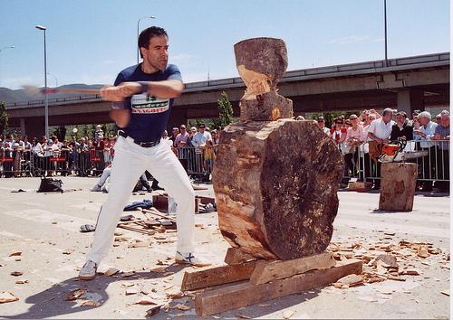 El campió del món de tallar troncs actuarà a Tàrrega aquest diumenge