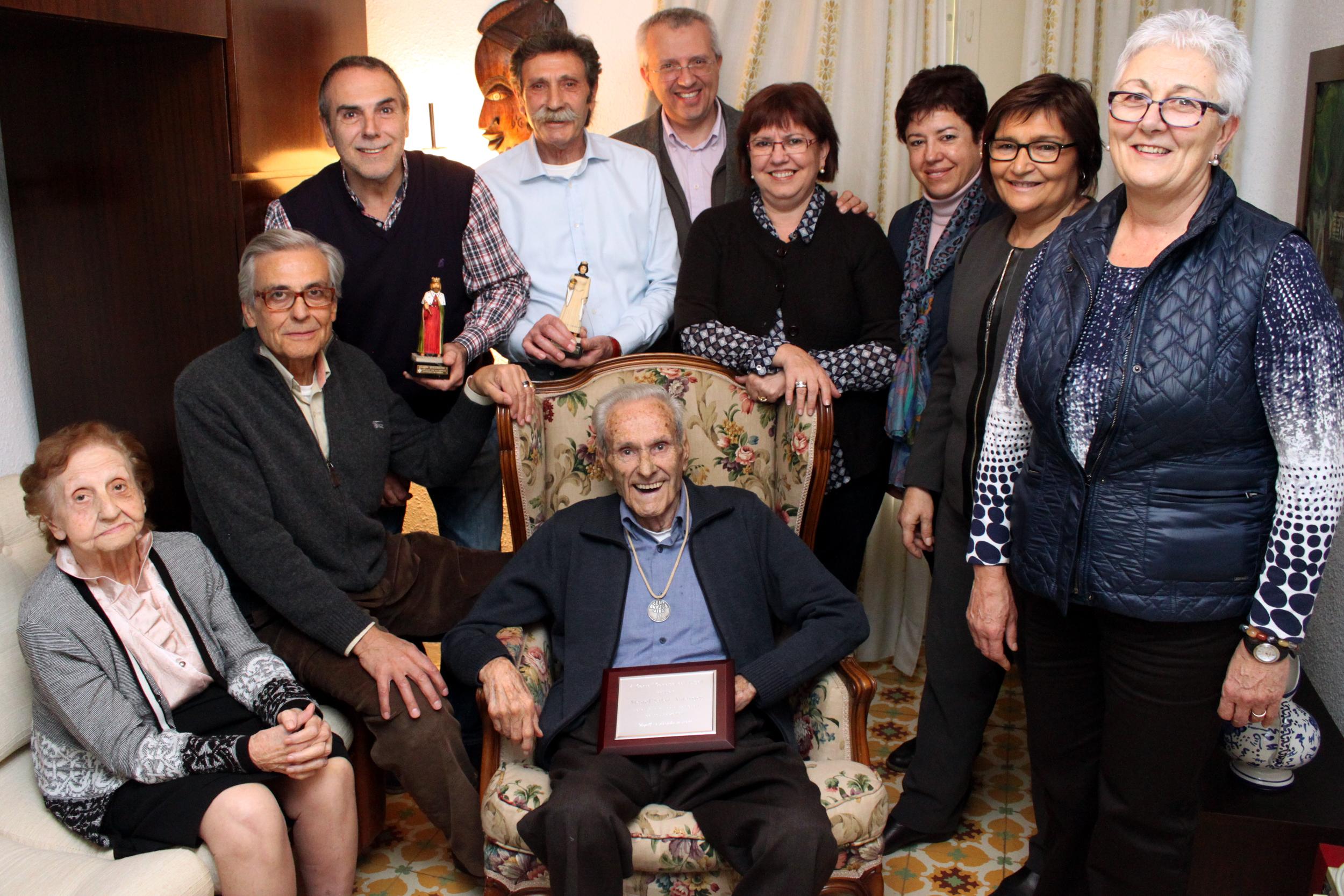 Manel Salas, veí de Tàrrega, rep la Medalla Centenària de Benestar Social i Família