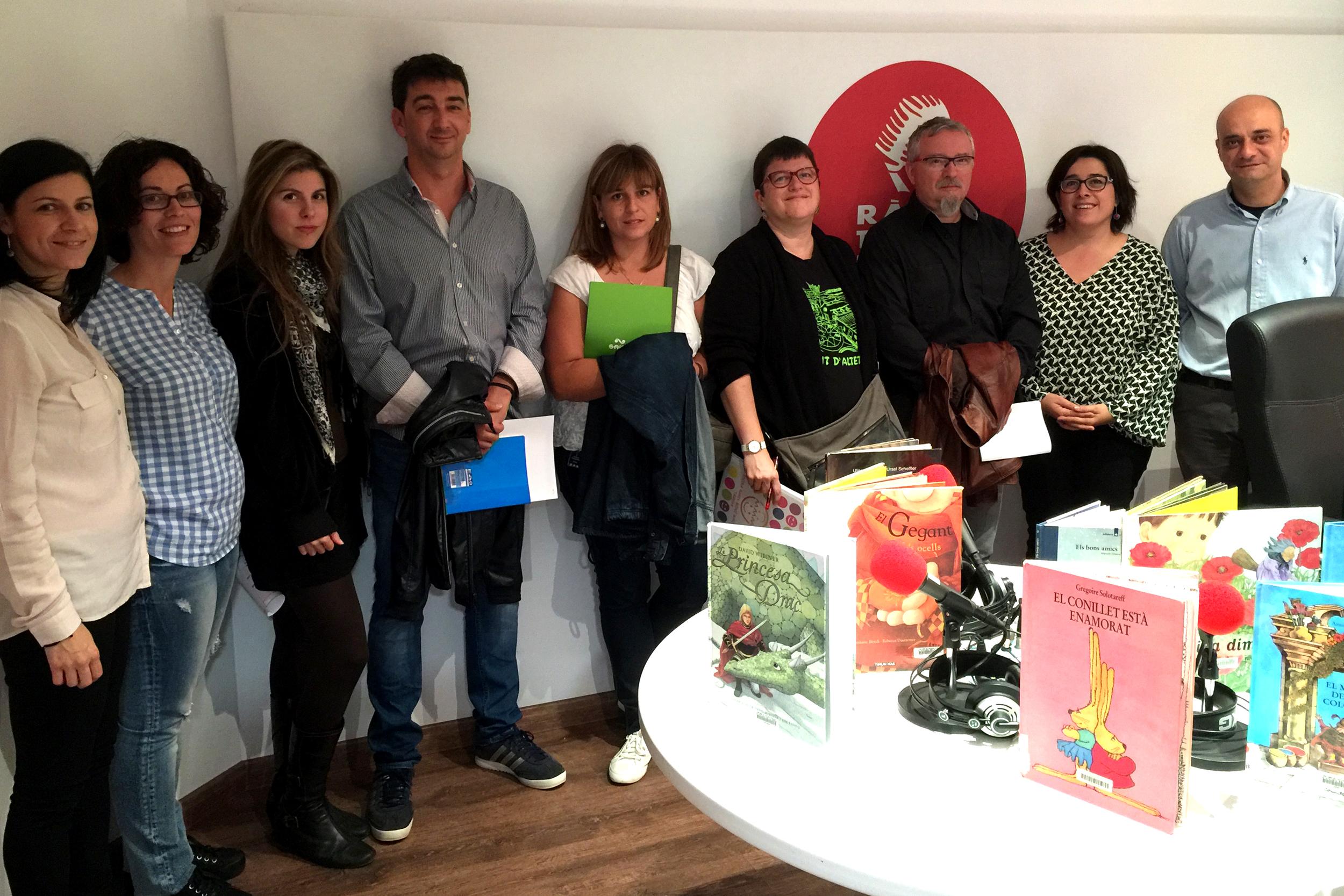 El programa de contes infantils de l'emissora municipal Ràdio Tàrrega, a les escoles de la ciutat com activitat lectiva