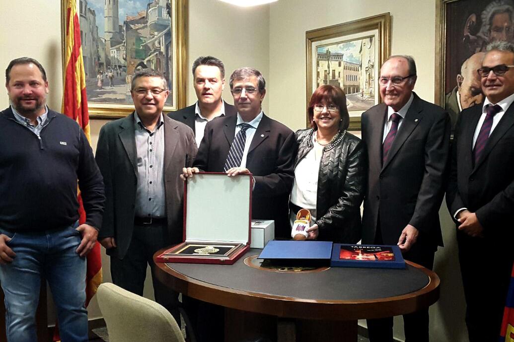 Recepció institucional a l'Ajuntament de Tàrrega commemorant el 45è aniversari de la Penya Barça de la ciutat