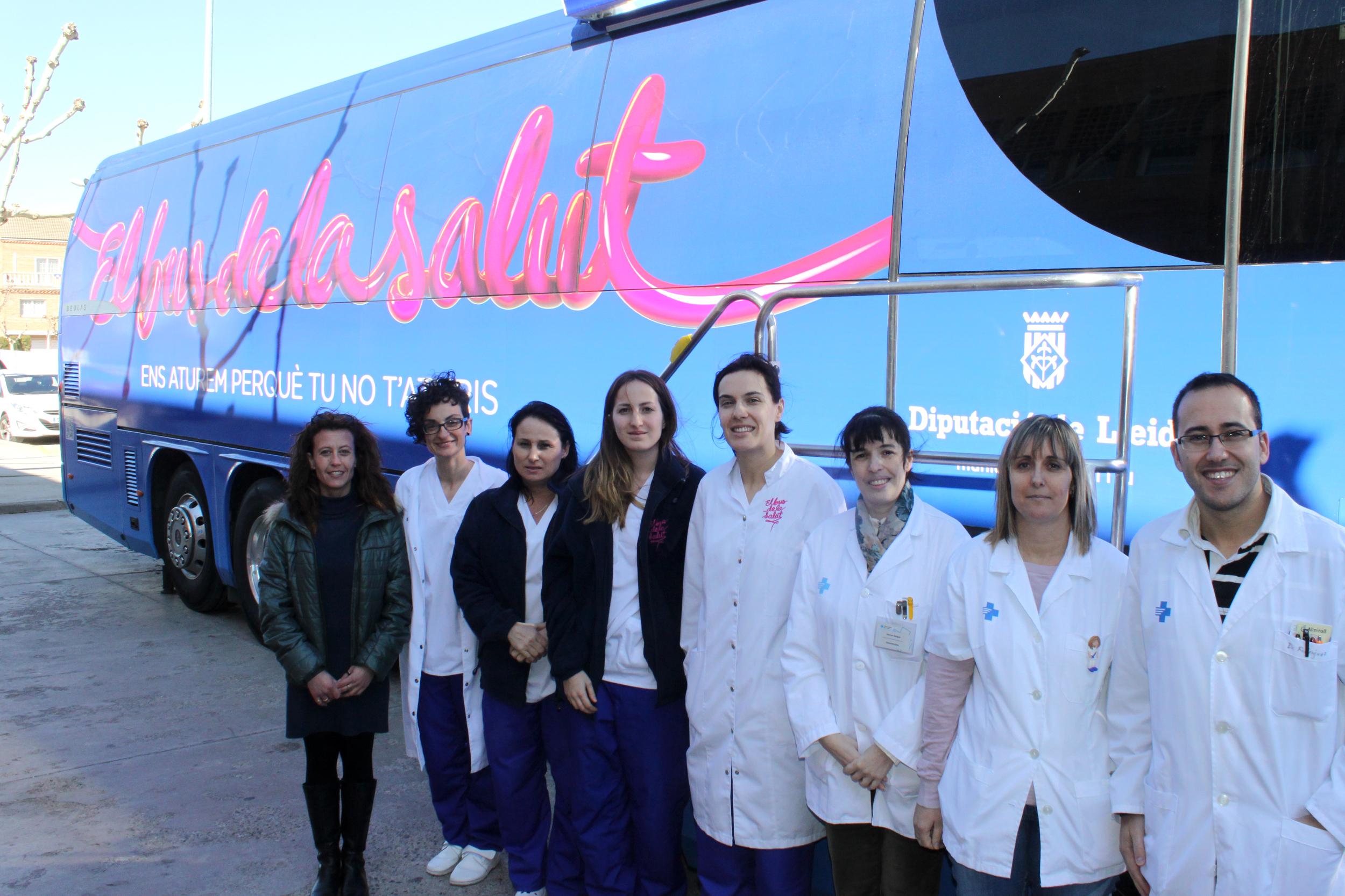 El Bus de la Salut s'atura a Tàrrega per fer proves mèdiques preventives a una vuitantena de persones