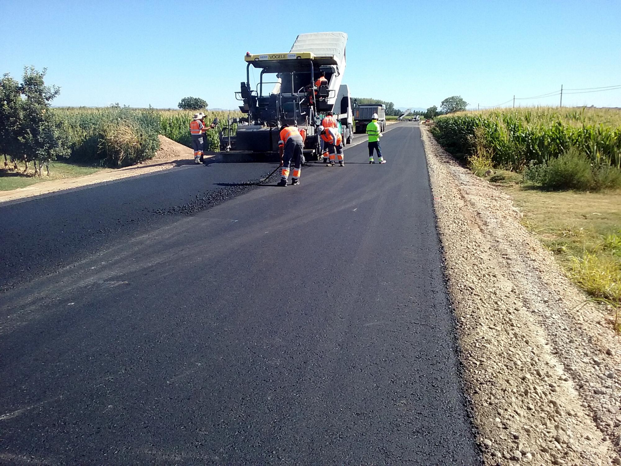 La Diputació millora el paviment de cinc carreteres de la demarcació