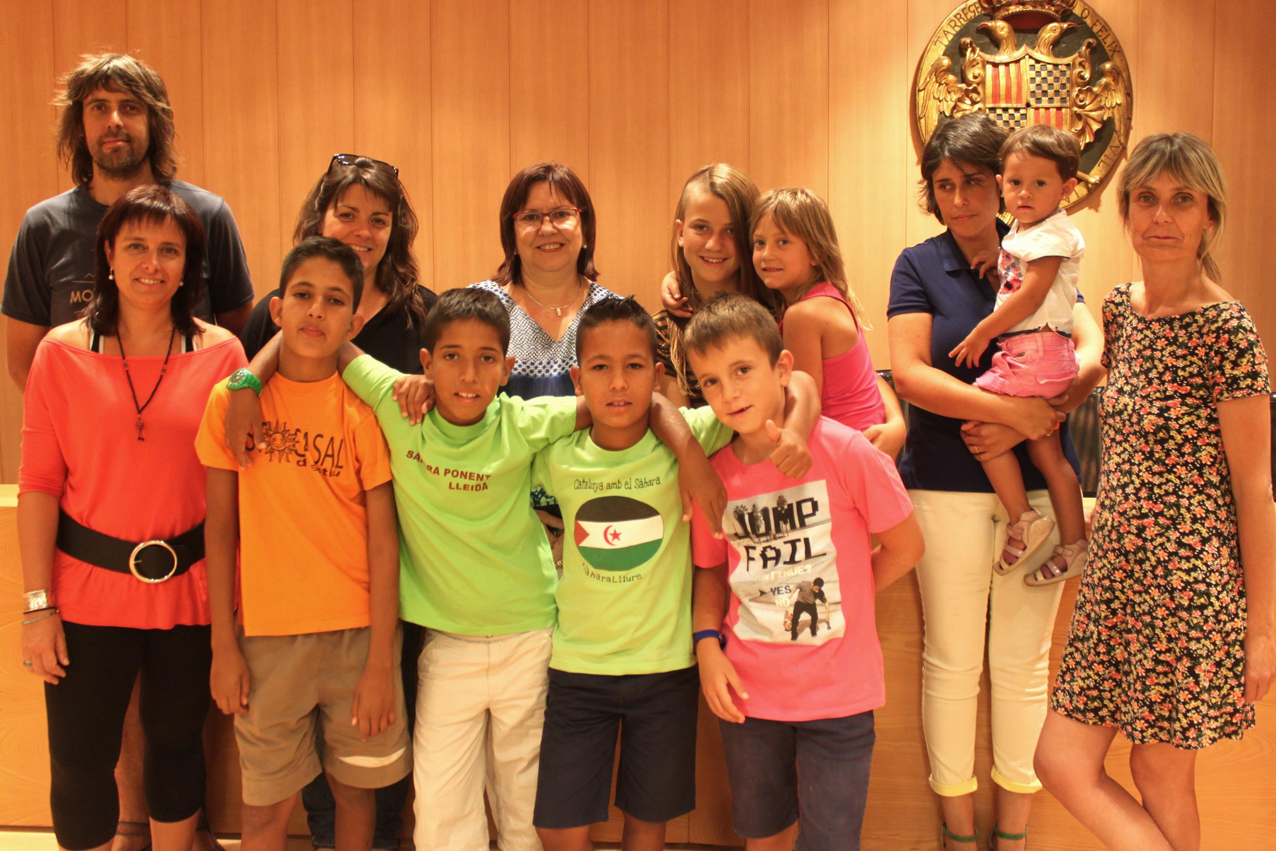 Visita d'infants sahrauís a la Casa Consistorial de Tàrrega