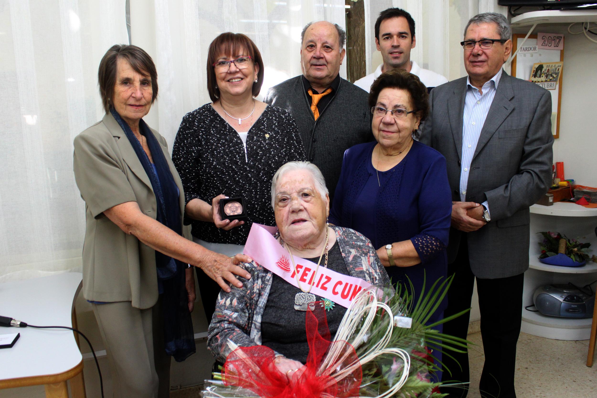 Homenatge a Amèlia Bernaus Valentines, veïna de Tàrrega que compleix 100 anys