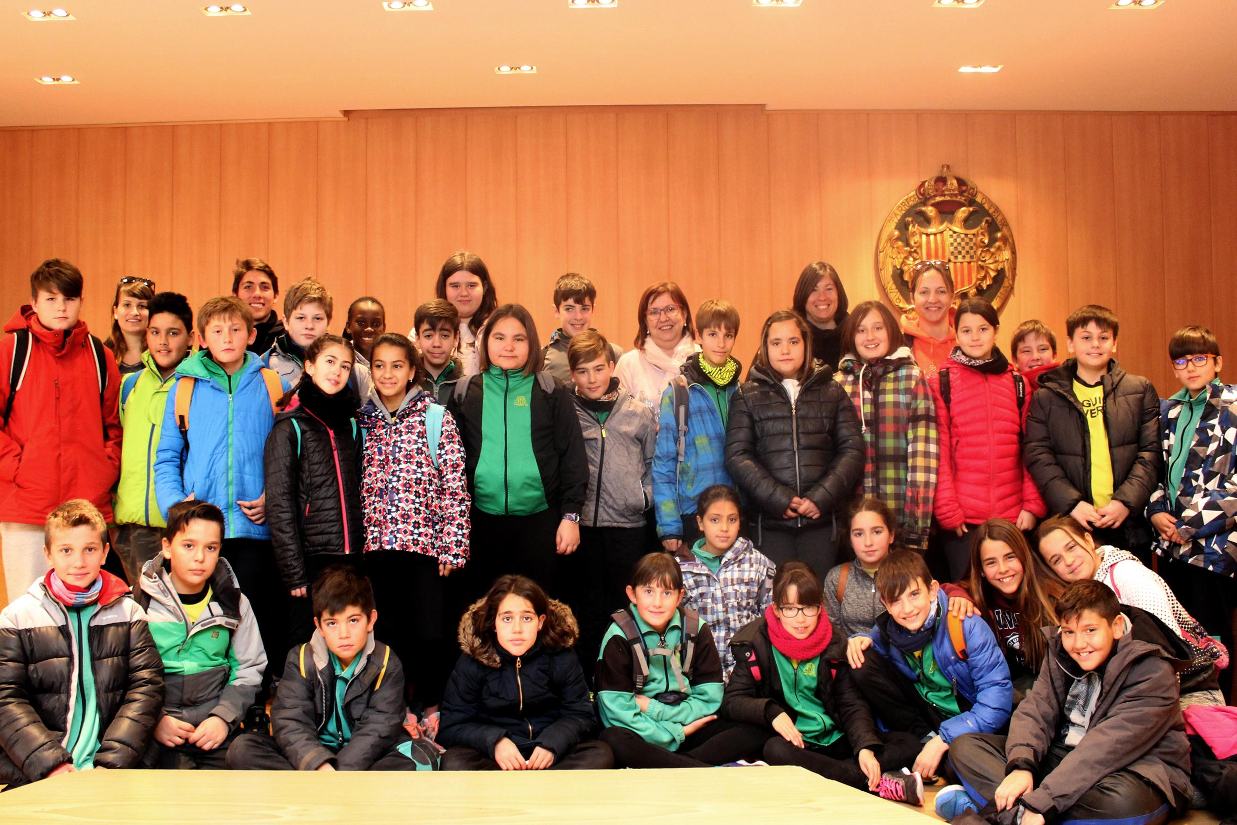 Visita d'alumnes de l'Escola Rural de Guimerà, Ciutadilla, Verdú i Vilagrassa a la Casa Consistorial de Tàrrega