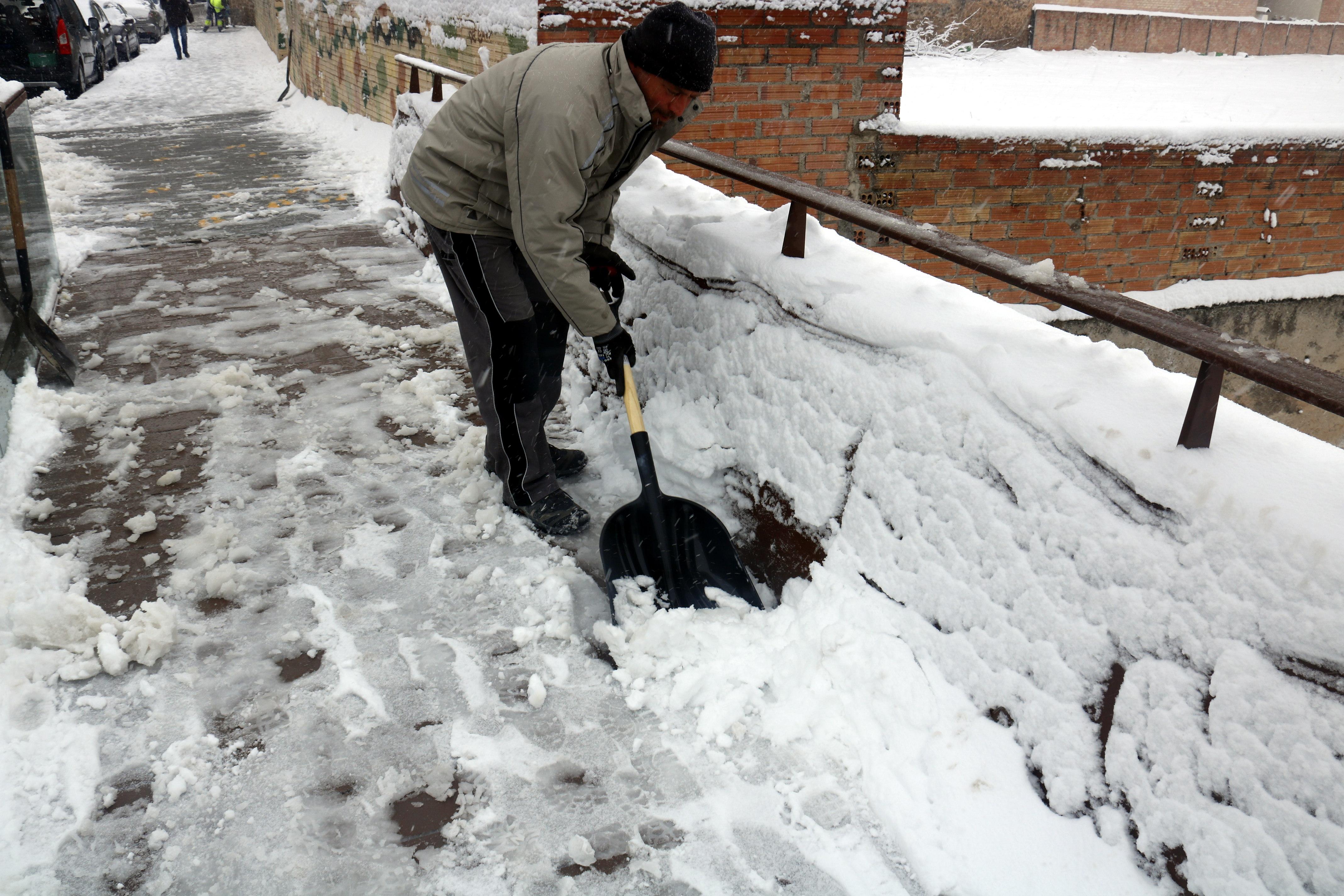La nevada es fa notar amb contundència a la zona nord de l'Urgell i a la Noguera