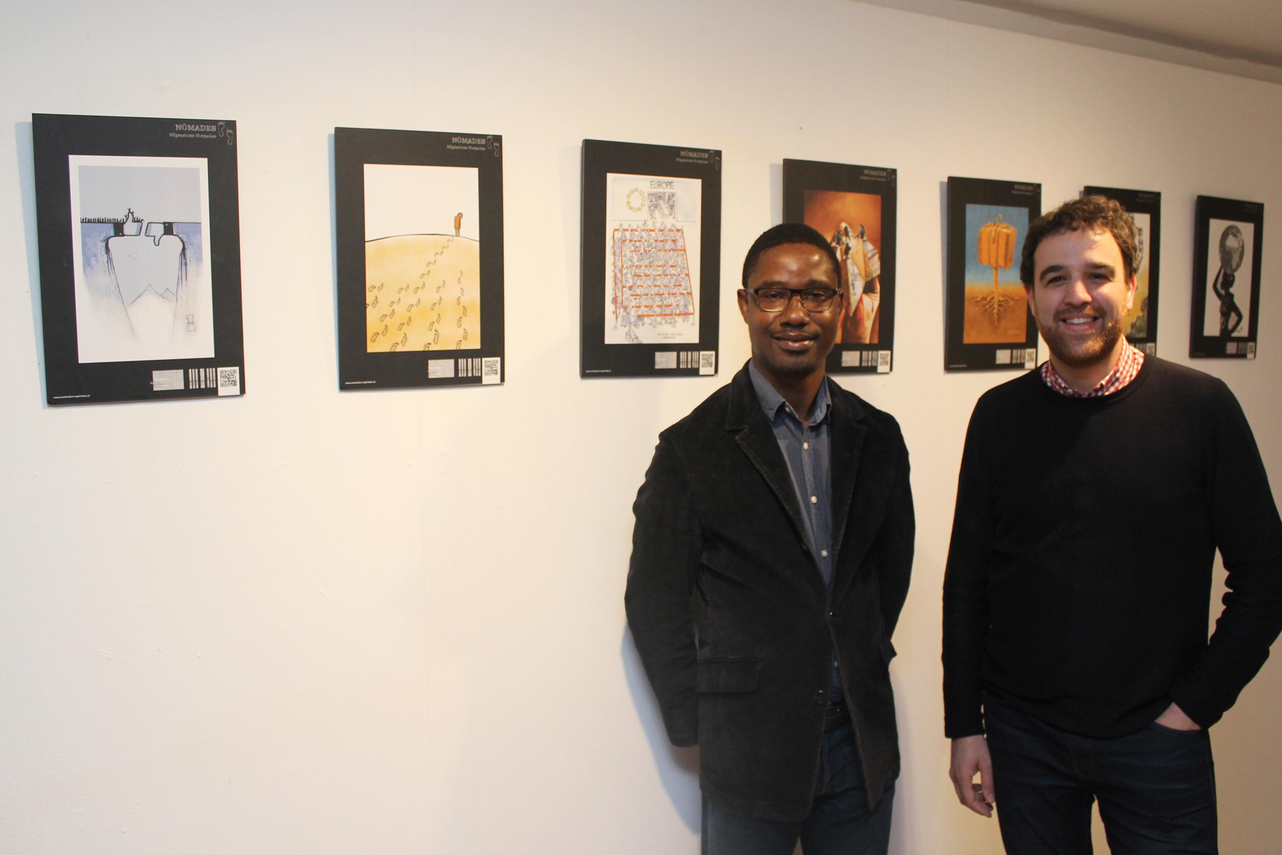 Tàrrega exhibeix obres d'art gràfic d'arreu del món que sensibilitzen sobre la xacra de les migracions forçades