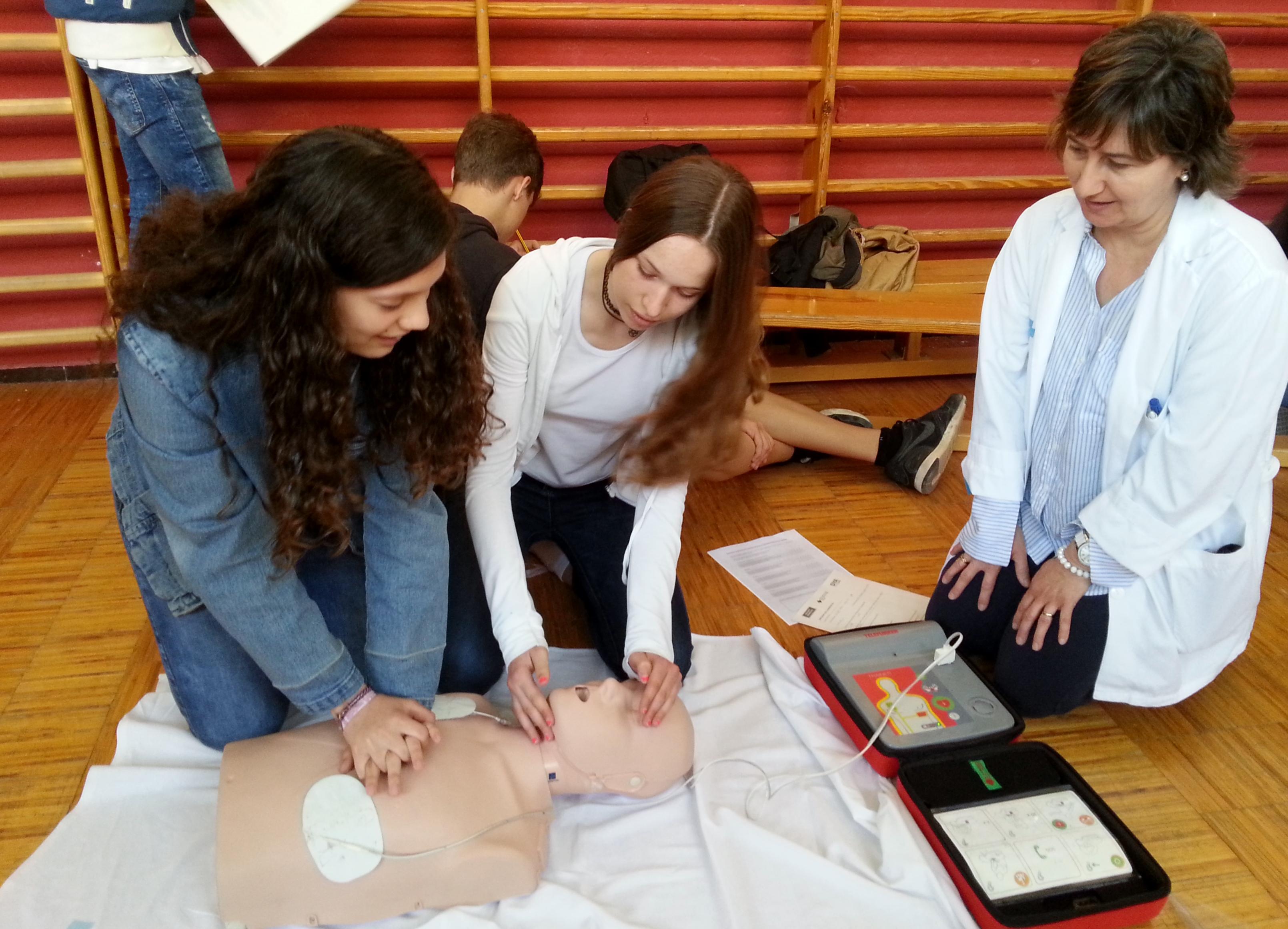 Els centres educatius de Tàrrega acullen la quarta edició dels tallers de reanimació