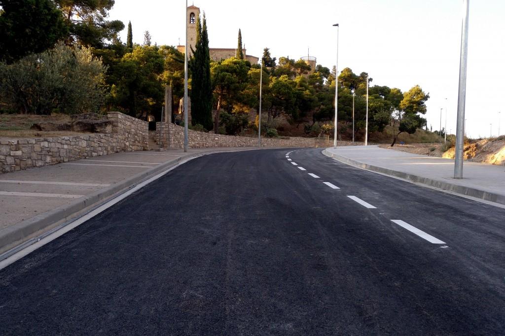 Últims retocs al carrer de La Pau, que s'obrirà al trànsit la setmana vinent