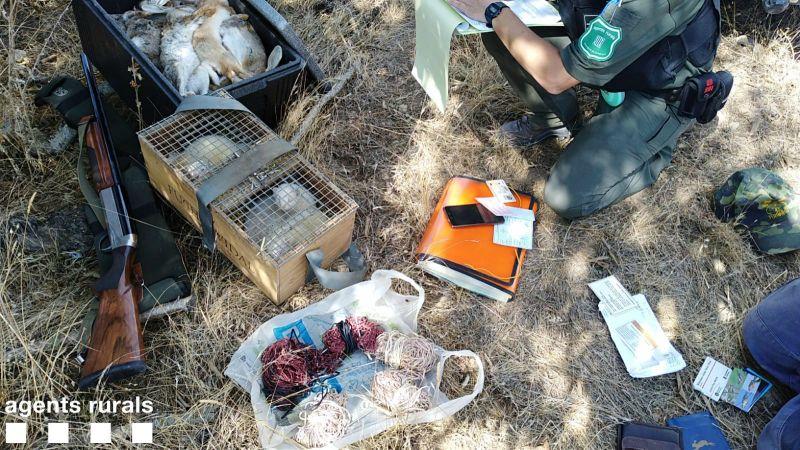 Els Agents Rurals denuncien dos caçadors a Tàrrega per infringir la llei de Protecció dels Animals i per caçar sense llicència
