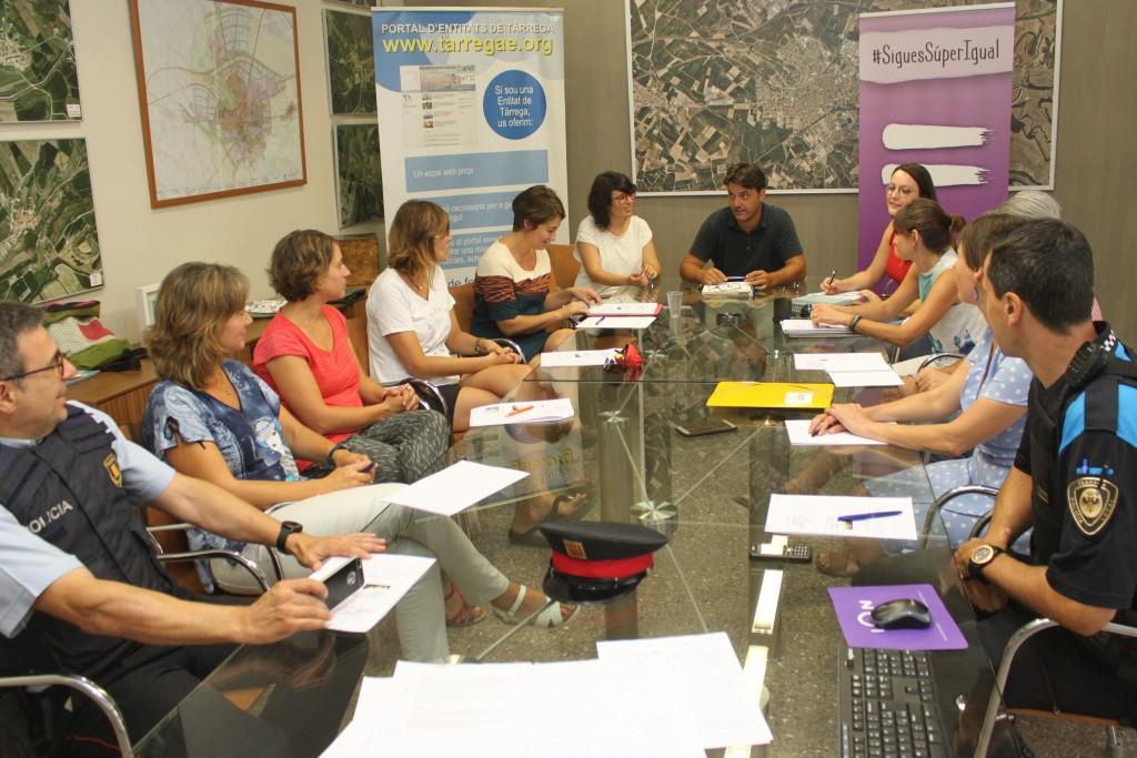 Reunió de treball per definir el nou protocol, amb el regidor de Polítiques de la Ciutadania, Jaume Folguera