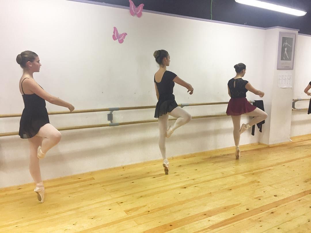 Alumnes de l'Estudi de Dansa de Tàrrega participen en una masterclass gratuïta de l'Institut del Teatre
