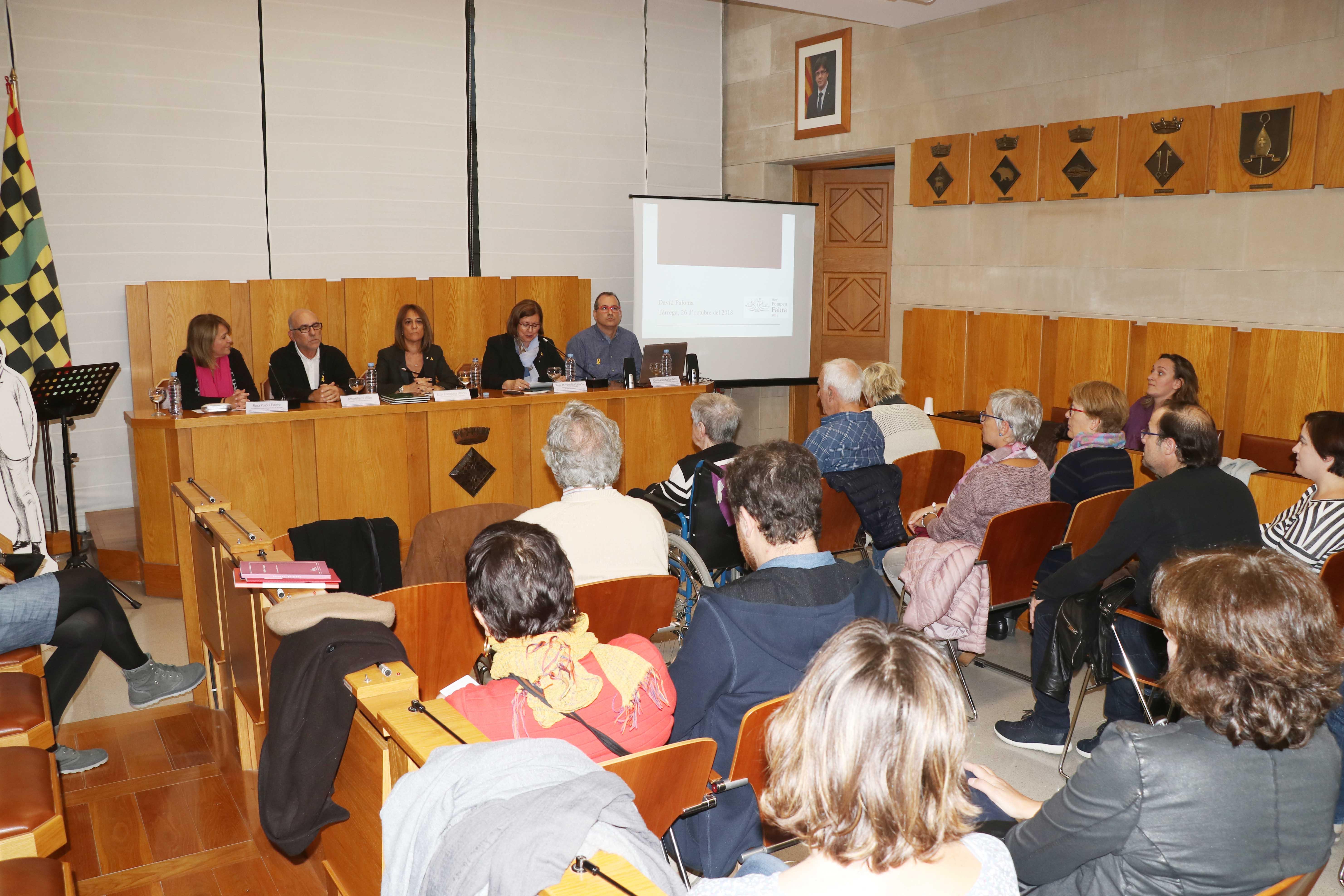 Rosa Maria Perelló encoratja a seguir treballant perquè la llengua catalana no reculi en un dels actes de l'Any Fabra celebrat a Tàrrega