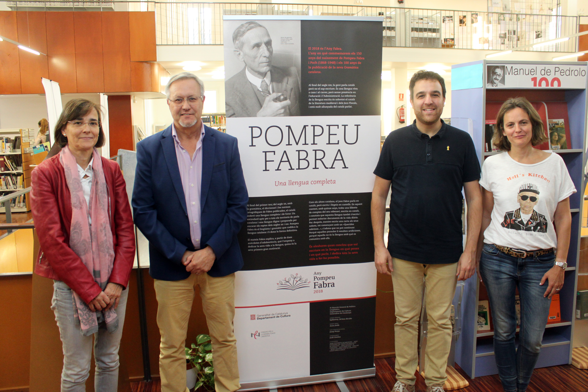 La Biblioteca Comarcal de Tàrrega exhibeix fins al 30 d'octubre una mostra sobre la vida i l'obra del lingüista Pompeu Fabra