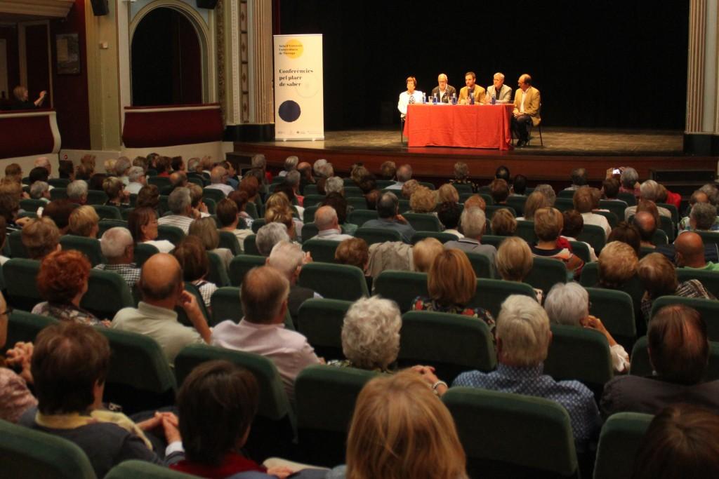 Sessió inaugural del curs al Teatre Ateneu