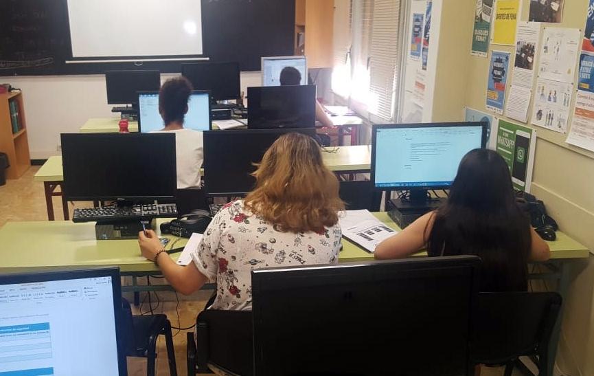 L'Ajuntament de Tàrrega facilita la inserció laboral a una vintena de persones majors de 30 anys en situació d'atur