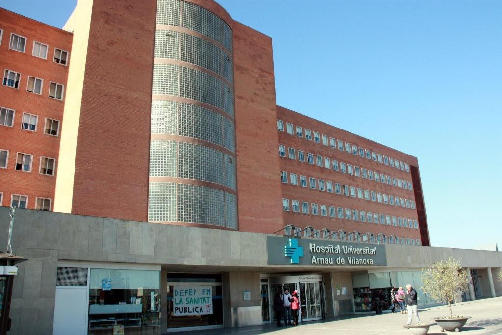 Façana de l'Hospital Arnau de Vilanova de Lleida en una imatge d'arxiu. (Horitzontal)