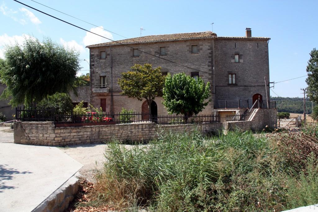Imatge del 18 d'agost del 2013 de la masia de Gàver, al municipi d'Estaràs, on van tenir lloc els dos assalts violents. (Horitzontal)