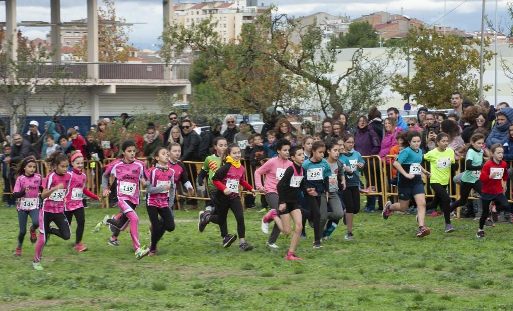 Una de les curses disputades al 26è Cros Intercomarcal de Tàrrega · Foto Jaume Solé