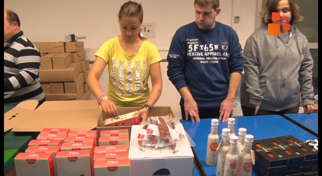 En marxa la campanya de Nadal  de l'Associació Alba que  genera 12 nous llocs de treball  gràcies als seus lots  i a l'obrador de galetes El Rosal