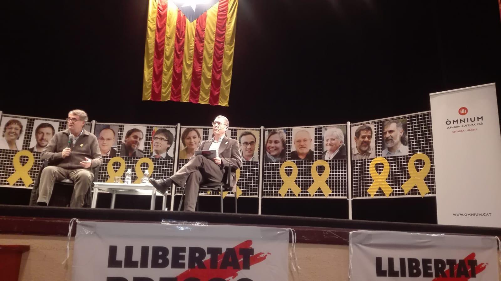 """Presentació a Bellpuig del llibre de Vicent Partal """"Nou homenatge a Catalunya"""""""