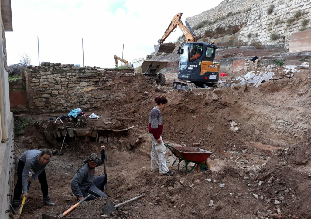 Nova fase d'excavacions a l'entorn del castell medieval de Tàrrega