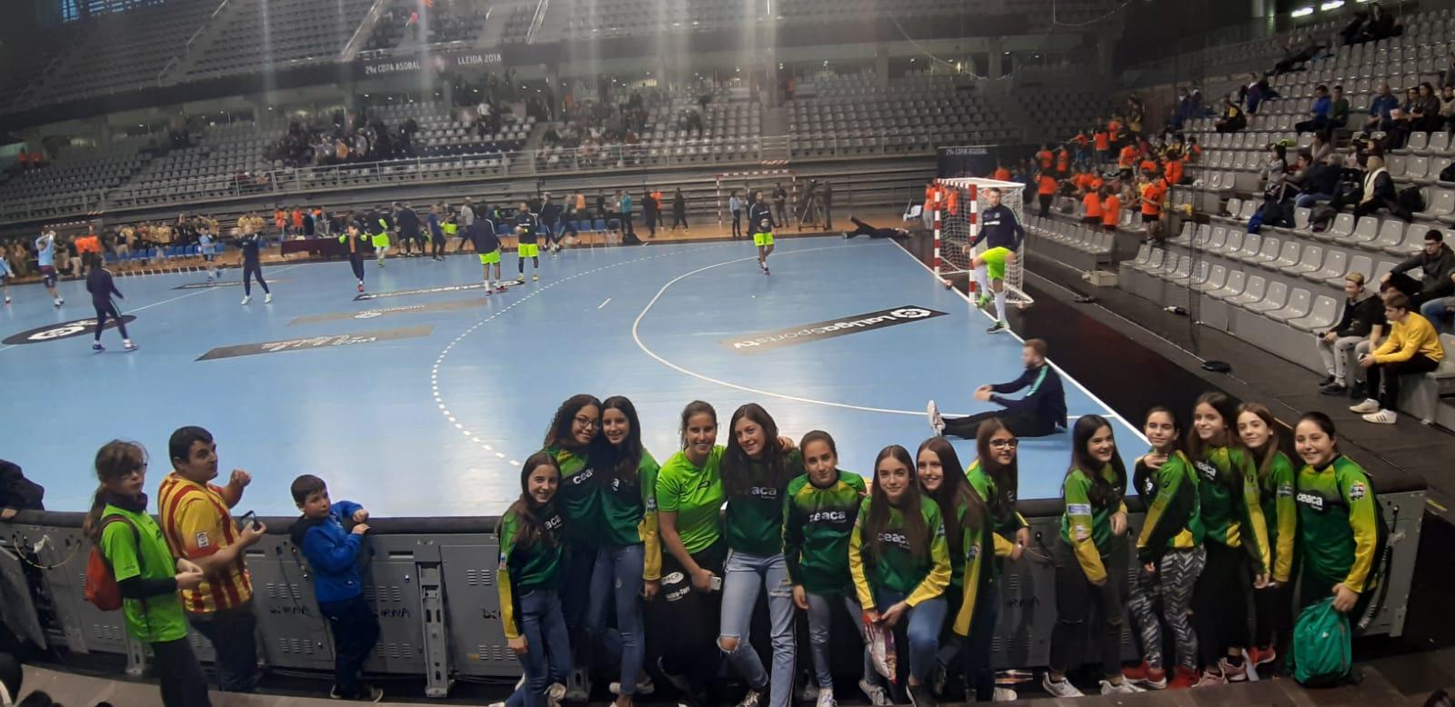 Aficionats del CEACA  assisteixen a la final de la Copa ASOBAL