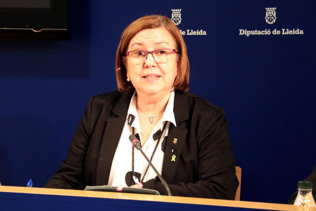 Pla mitjà de la presidenta de la Diputació de Lleida, Rosa Maria Perelló, durant la presentació del projecte de pressupost 2019, el 17 de desembre del 2018. (Horitzontal)