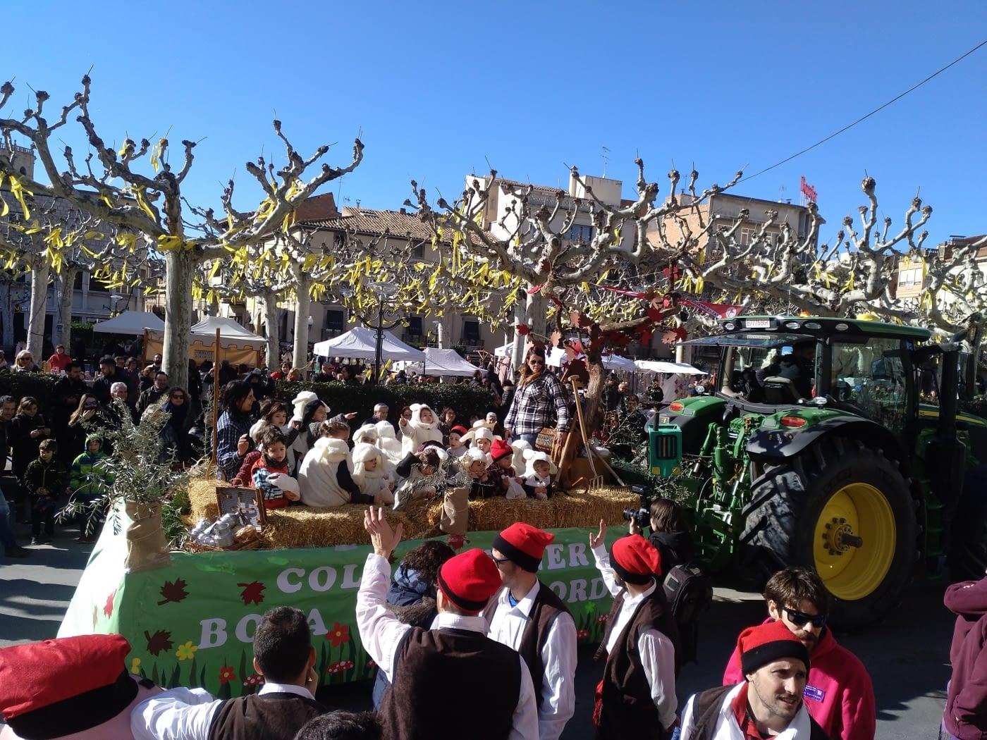 Centenars de persones s'apleguen a Tàrrega per veure els tradicionals Tres Tombs