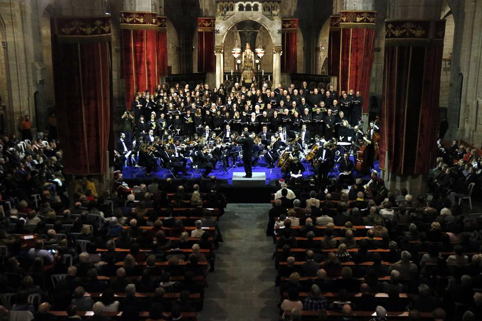 Pla general del Cant de les Completes a l'església de Santa Maria de Cervera, el 5 de febrer de 2019. (Horitzontal)