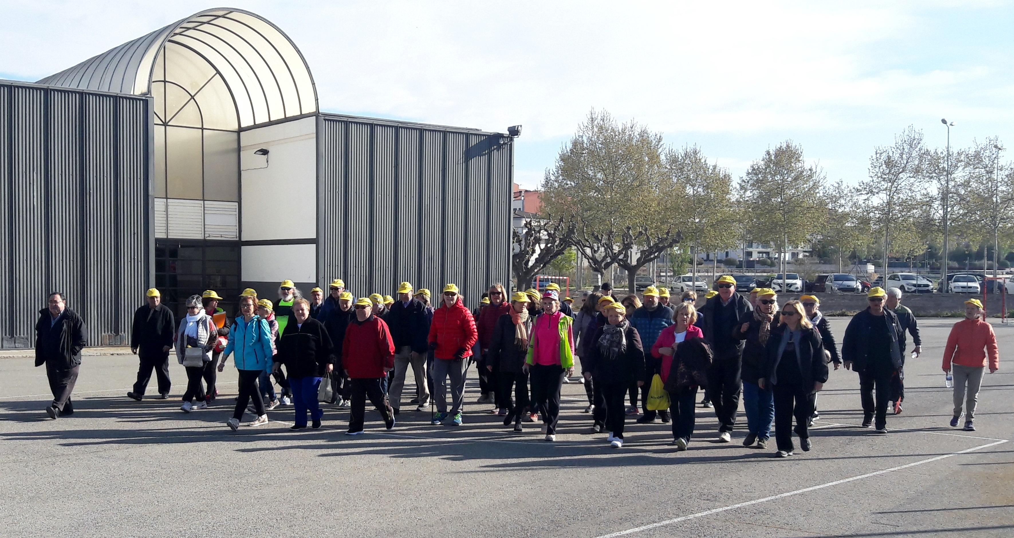 """Primera caminada del """"Caminant, fem salut i coneixem Tàrrega""""  amb una setantena d'usuaris inscrits"""