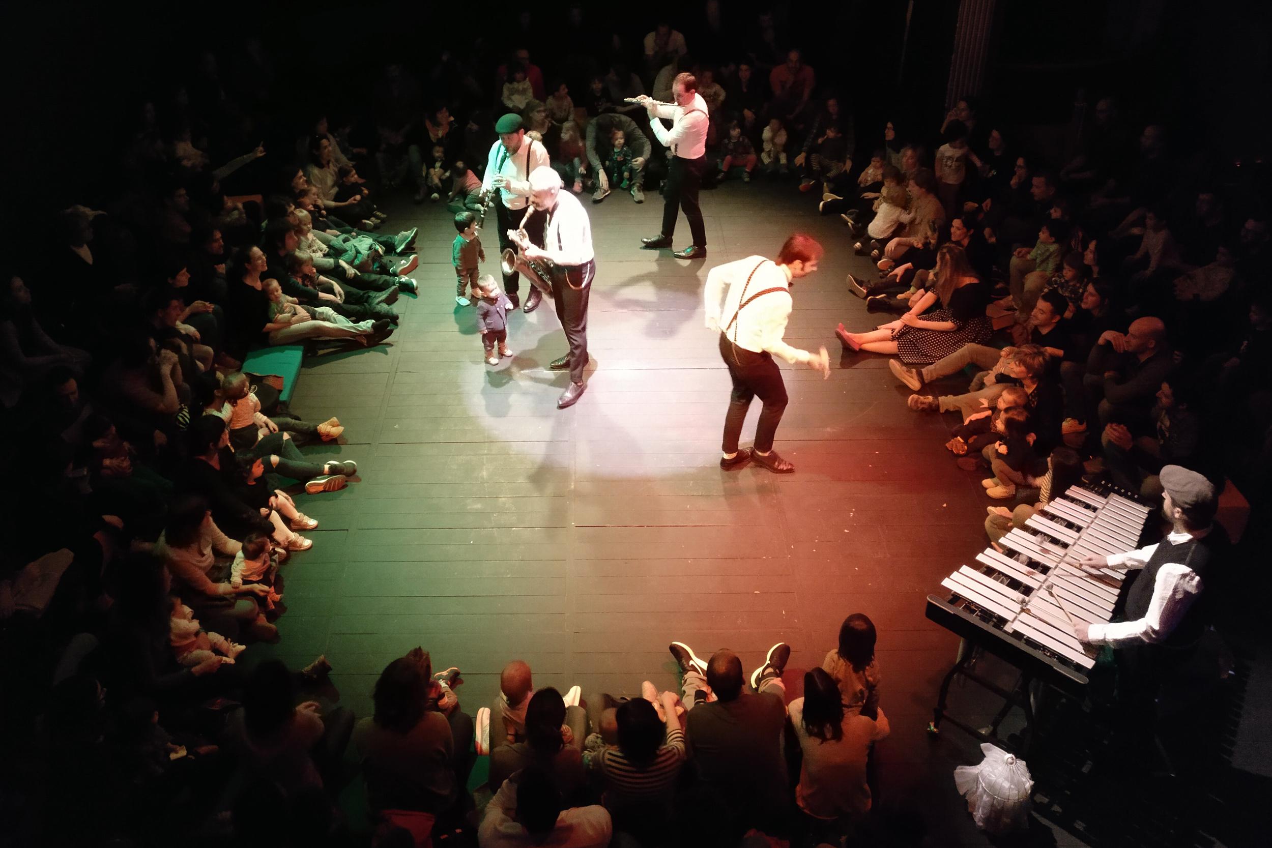 Èxit de la Companyia Pels Més Menuts a Tàrrega amb un concert que acosta el llenguatge musical als infants