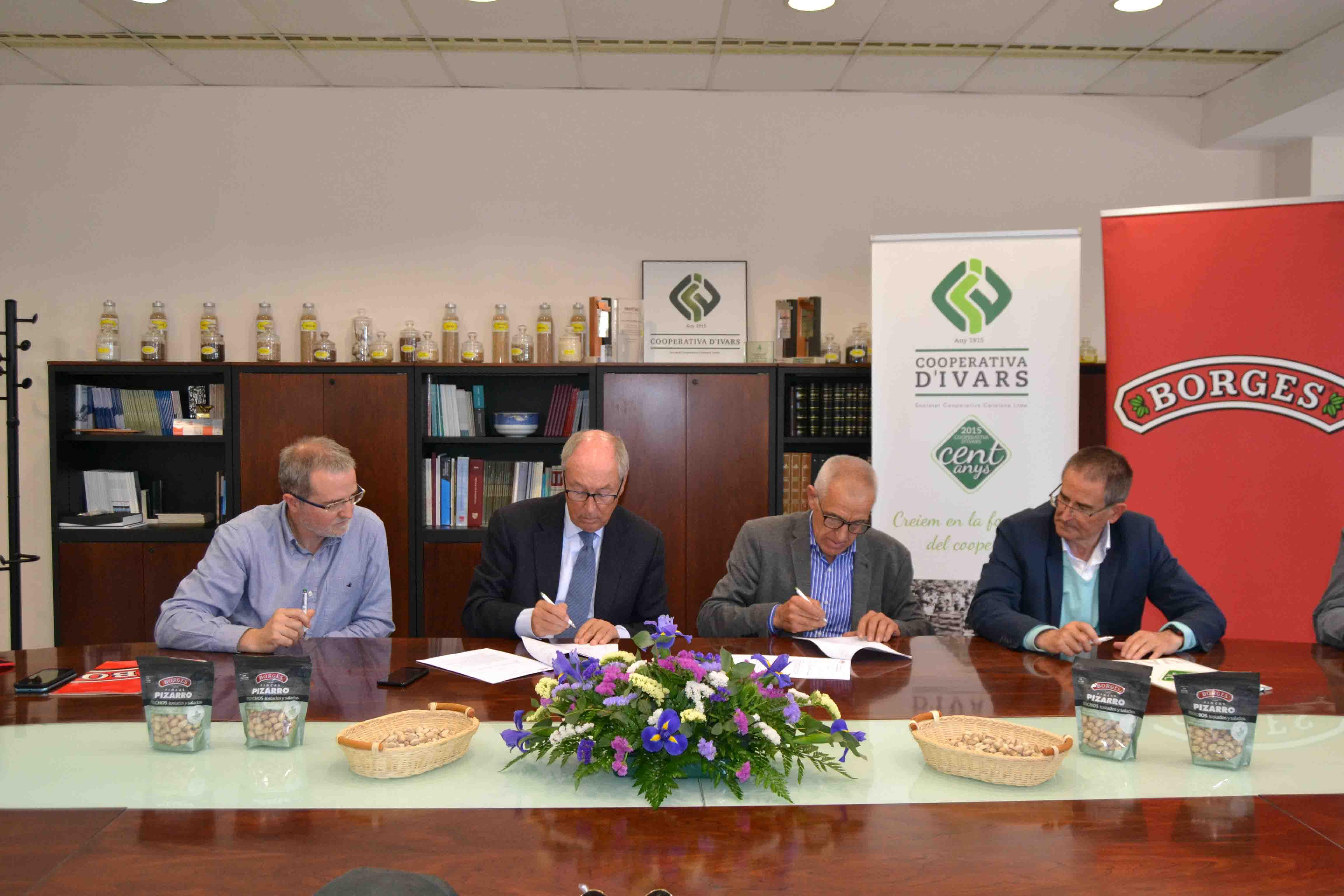 Borges Agricultural & Industrial Nuts i la Cooperativa d'Ivars signen un acord de cooperació vertical pel desenvolupament del cultiu de pistatxos