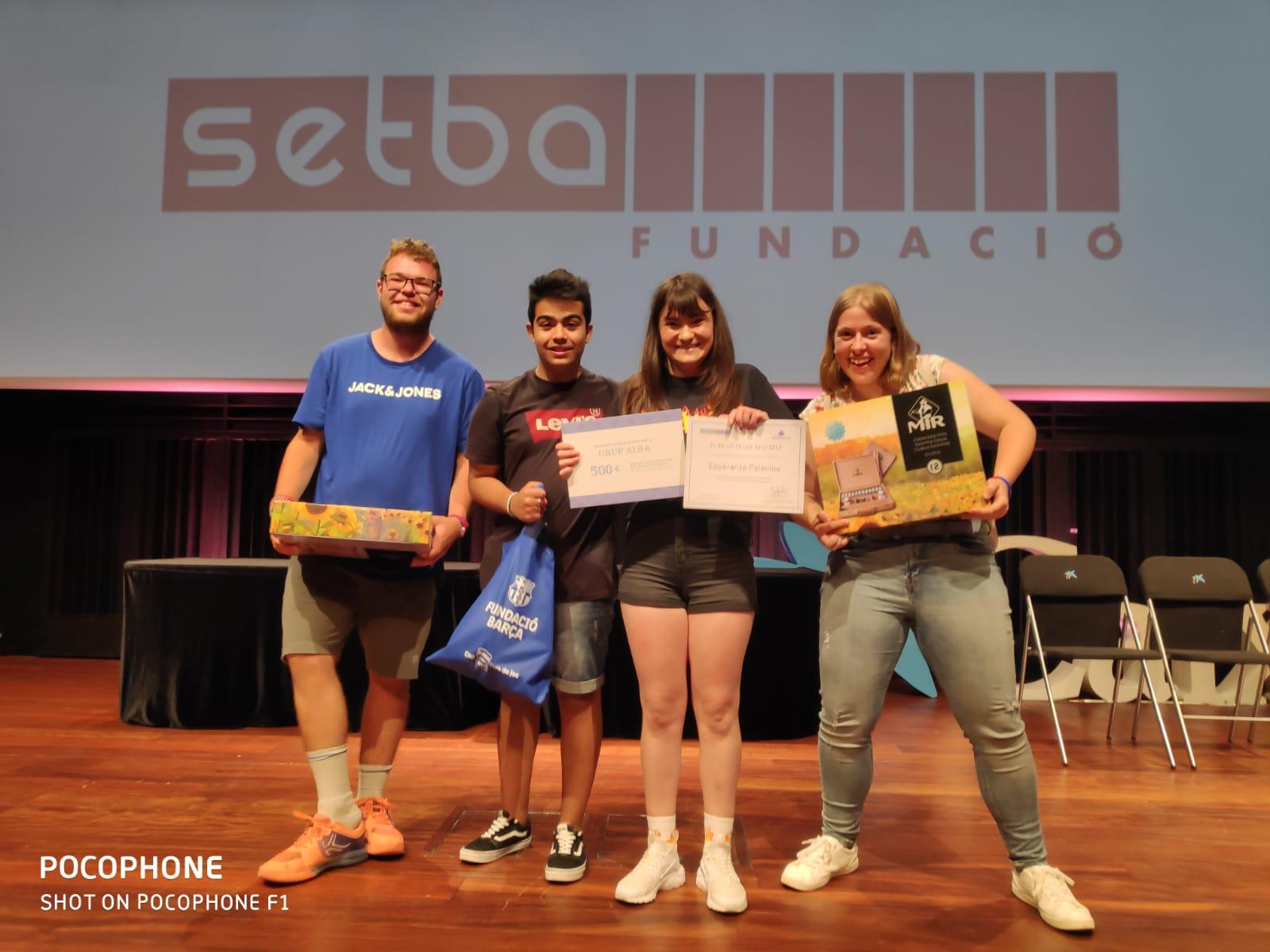 Dos alumnes de l'escola del Grup Alba guanyen els 1rs premis del certamen de pintura El Balcó de les Arts 2019 i disseny Bardinet de la Fundació SETBA.