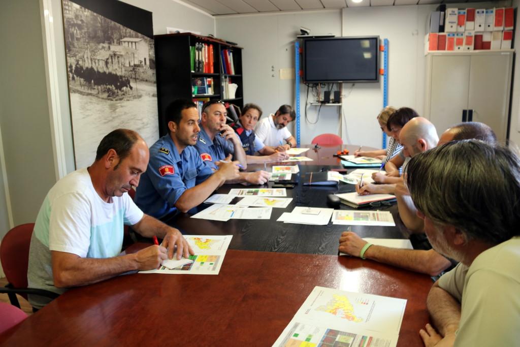 Pla general de la reunió de coordinació operativa de la Campanya Forestal 2019 a Manresa. Imatge del 25 de juny del 2019. (Horitzontal)