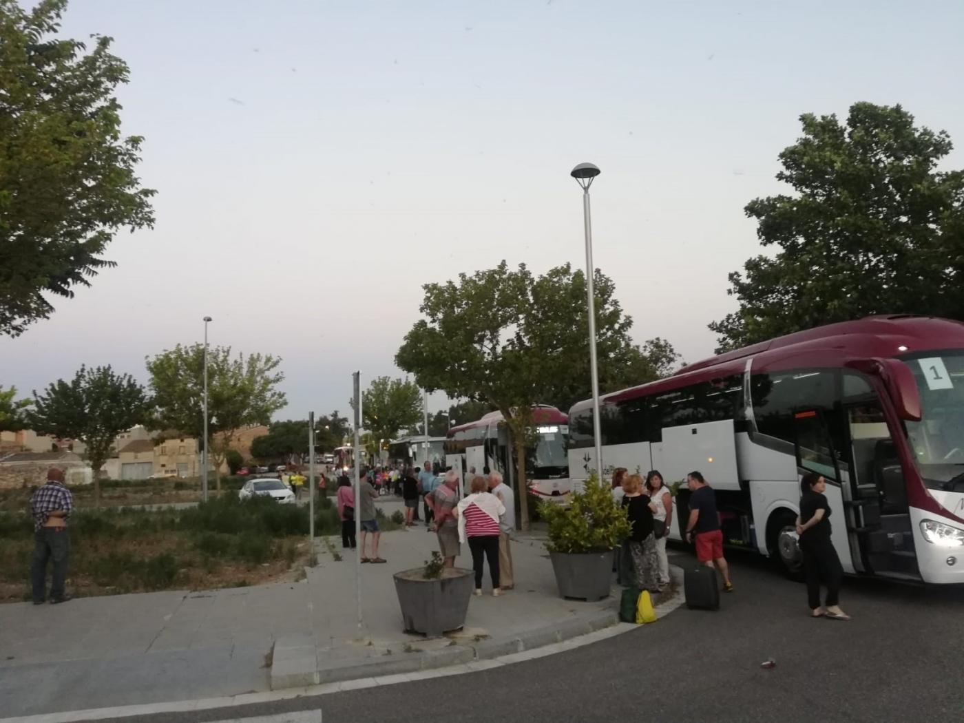 Cinc autocars surten de Tàrrega en direcció a Estrasburg per assistir demà a una manifestació davant el Parlament Europeu