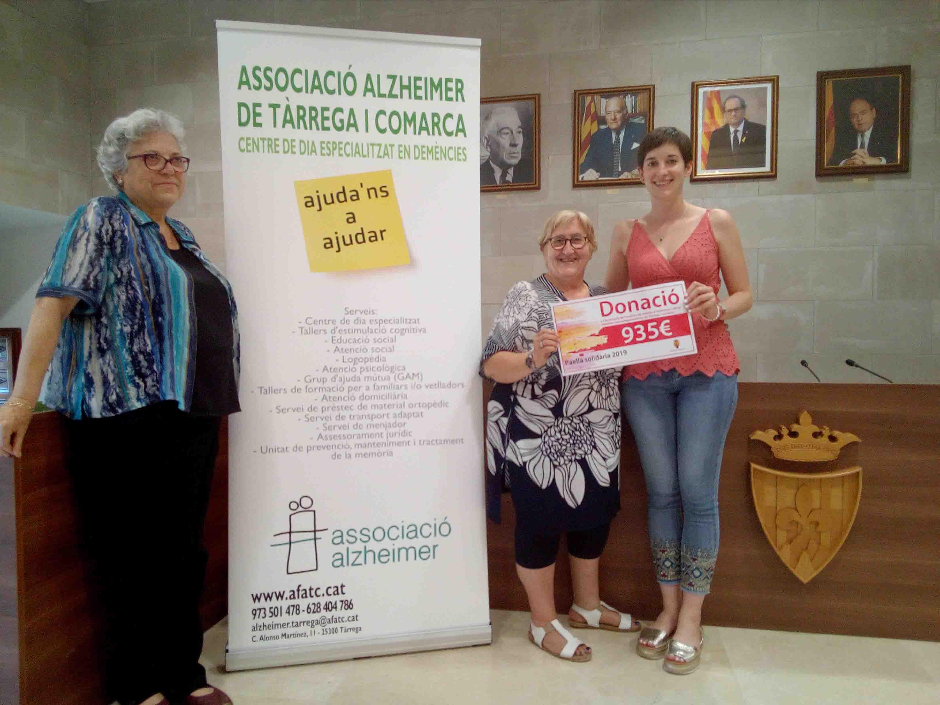 La paella solidàra d'Agramunt recapta 935 euros per l'Associació de Familiars de Malalts d'Alzheimer