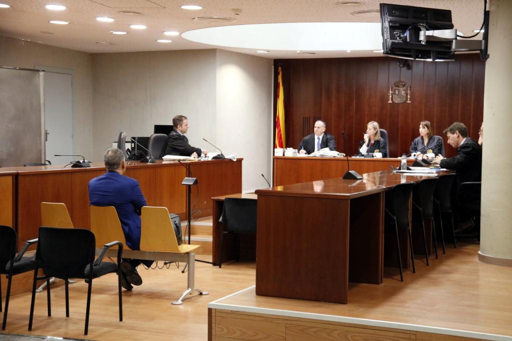 Pla obert de l'Audiència de Lleida durant l'acusat d'intentar estafar Ros Roca. Imatge del 18 de setembre de 2019. (Horitzontal)