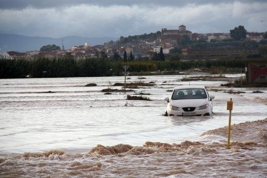 El temporal obliga a tallar l'N-II i diverses carreteres locals i deixa sense classe mig miler d'alumnes al Pla d'Urgell