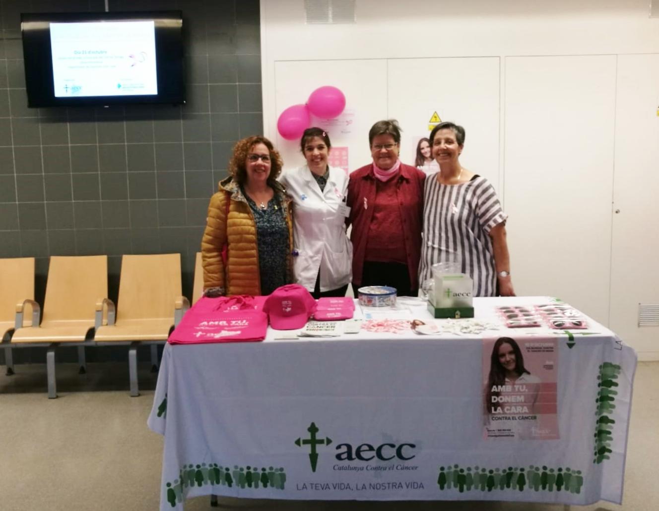 Taula informativa al CAP de Tàrrega sobre  el Dia Mundial contra el Càncer de Mama