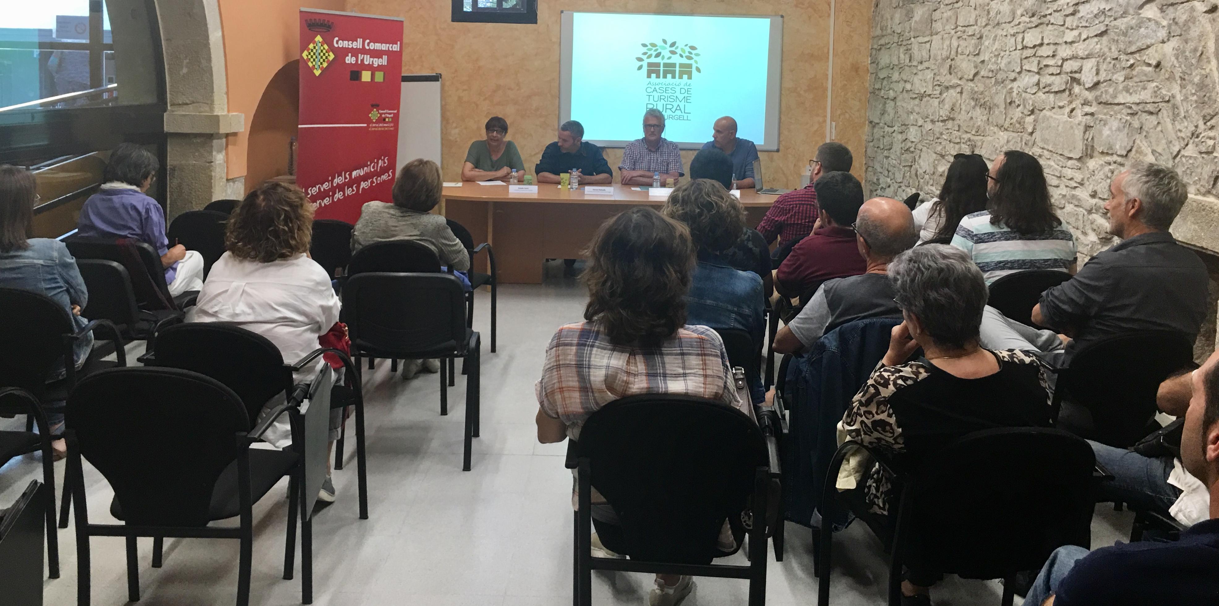 Presenten la  página web de l'Associació de Cases de Turisme Rural de l'Urgell