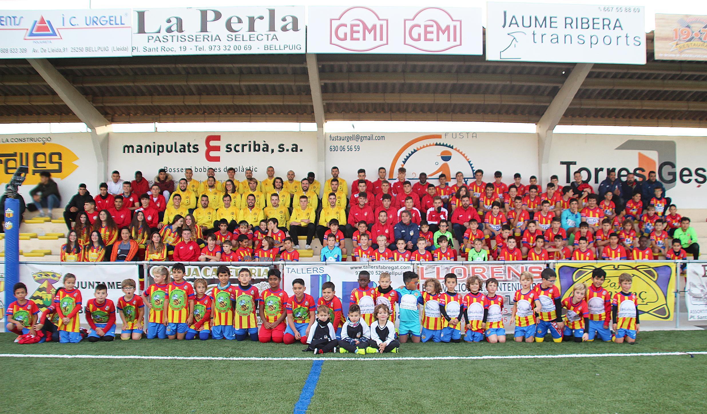 Presenten  els equips de futbol de Bellpuig  de la temporada 2019-2020