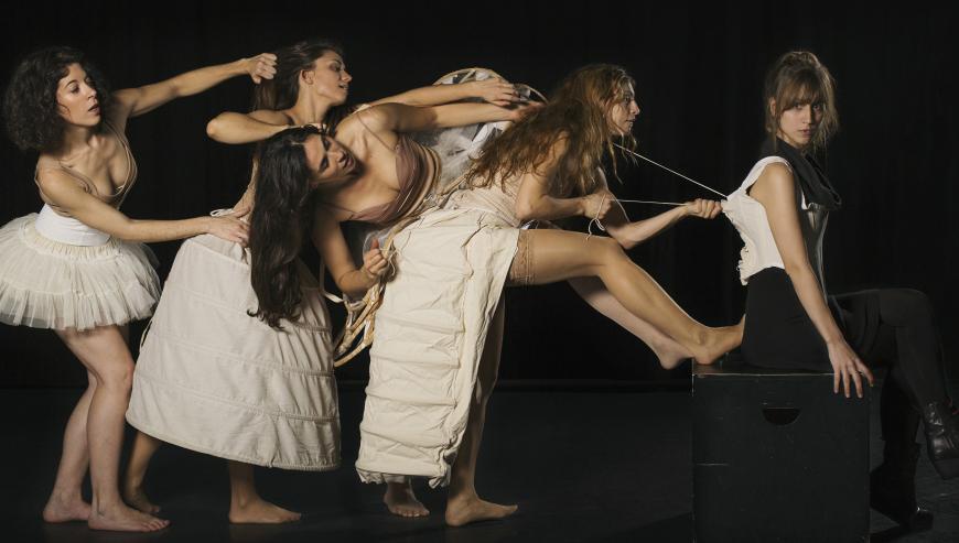 """Teatre de Tàrrega porta el dissabte 1  l'espectacle """"Barbes de balena"""", un al·legat en favor de la igualtat de gènere"""