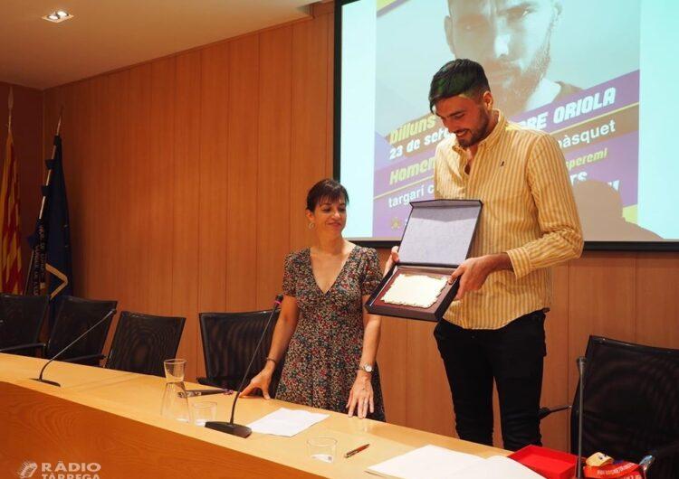 El targarí Pierre Oriola renova amb el Barça de bàsquet fins el 2024