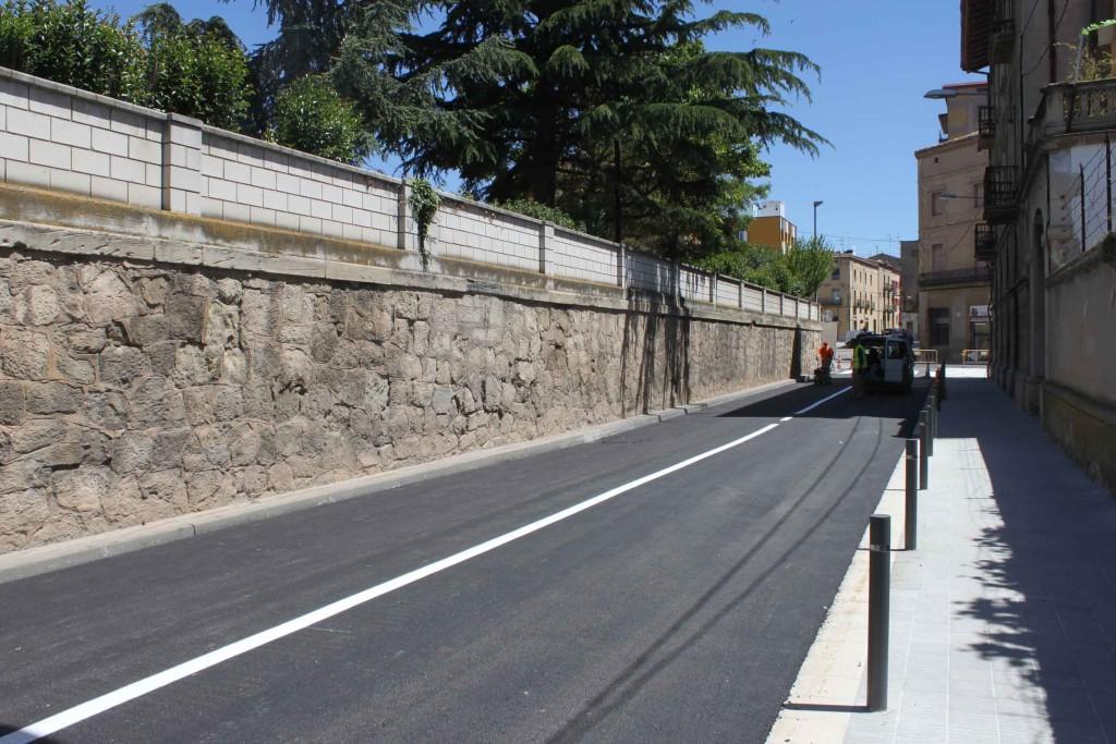 El carrer del Segle XX, avui poc abans de reobrir-lo al trànsit (2)