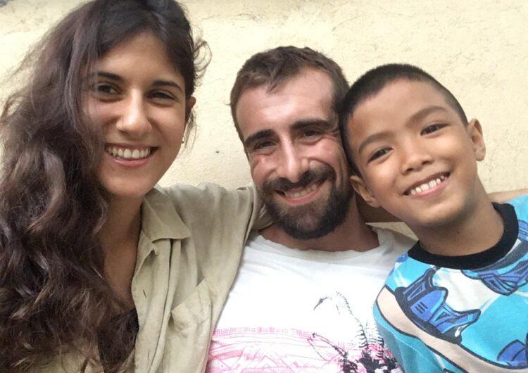 Un exregidor de Cervera i la seva parella atrapats a les Filipines recapten diners per una ONG que està en crisi per culpa del Covid-19