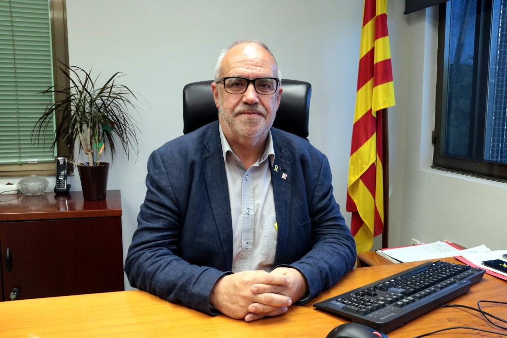 Pla mitjà de l'alcaldable d'ERC-MES a la Paeria de Cervera, Joan Santacana, el 29 de maig del 2019. (Horitzontal)
