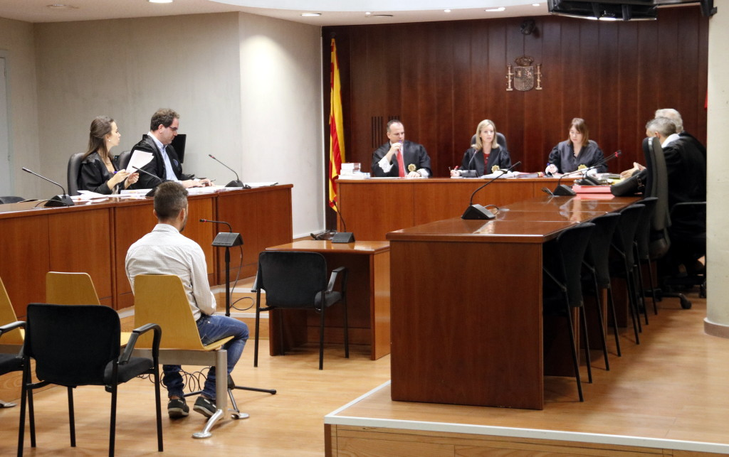 Pla general de l'Audiència de Lleida durant el judici a l'acusat d'agredir sexualment la seva fillastra durant anys a Guissona. Imatge del 25 de setembre de 2019. (Horitzontal)