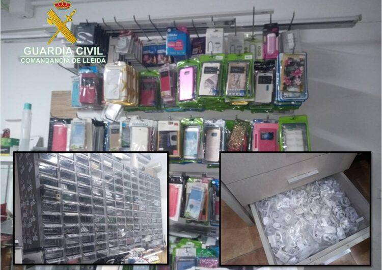 Comissen en una botiga de Tàrrega material de telefonia falsificat valorat en més de 6.000 euros